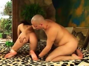 Virgin adorable girl sucks a 10-pounder
