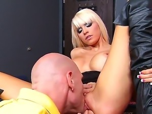 Rikki Six has very sweet pussy and wet ass hole and Johny cant resist himself...
