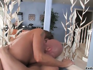 Johnny Sins is horny and cant wait no more to pound dangerously sexy Darla...