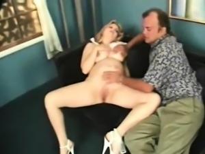 amateur preggo gets pussy shaven