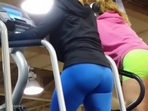 Ladies in the gym I like good moves