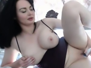 Busty French Babe Free Adult Webcam