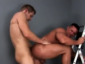 Muscle jock gets pecks cumshot