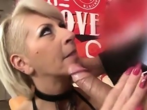 Mature slut deep throats dick