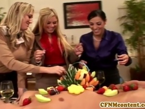 Cfnm Ahryan Astyn and pals share a cock