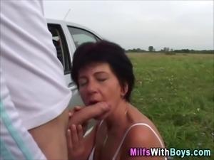 Old slutty milf fucked outside