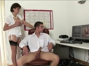 Lady Sonia gets tits cummed on