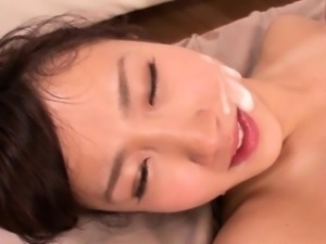 Tiny Japanese babe squirts in threeway fuck