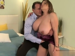Sexy girlfriend doggystyle creampie
