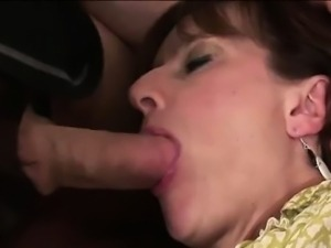 Lady Sonia gets mouth fucked