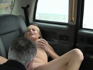 Huge tits American blonde bangs in British fake taxi