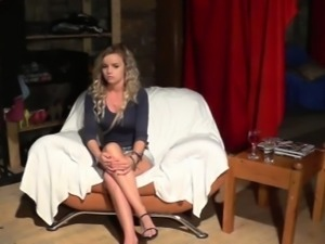 18yo amateur does BJ and fucks hard with casting producer