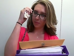 Four-eyed blow job addict Brooke Wylde