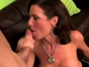 Gorgeous cougar Veronica Avluv tongues pervs ass hole