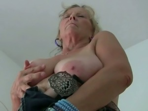 British oldies Pearl and Isabel masturbating