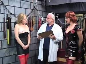Affair from MILF-MEET.COM - Slave gets her clit tickled by v