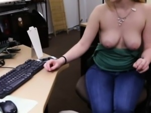 Lovely amateur blonde babe gets fucked for a pearl necklace