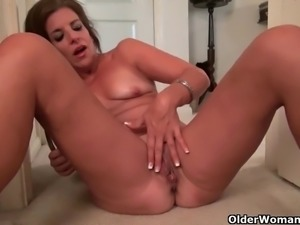 My favorite videos of American milf Katrina Cougars, Matures, Nylon, Collection