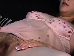 Teen Gets her Fuzzy Pussy Eaten