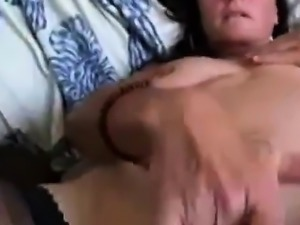 Mom of 2 sporting tights rubs her clit until she gets her c