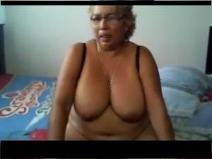 Fat Granny in a webcam R20