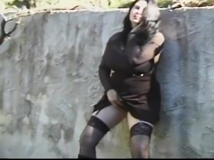 Chubby gothic girl gets fucked