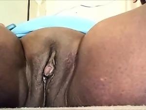 Ebony BBW pleasing herself - Closeup
