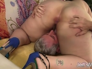 Fat bitch titty fucks him, gives head and gets her cunt hammered