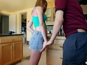 Curvaceous cutie spreads legs in the kitchen and gets what she wanted