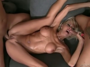 Busty blond cougar enjoyed super hard DP with young men