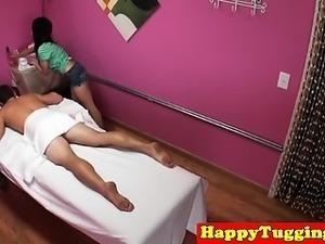 Faketitted asian masseuse buffs the knob
