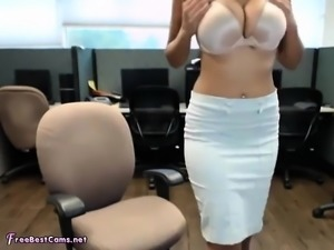Amateur Indian Masturbates Her Desi Pussy In Public Office