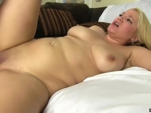 Alix Lovell Nice Tits Gets Pussy Devasted