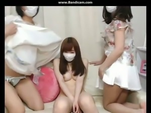 There is no denying the fact these Japanese camgirls love showing off