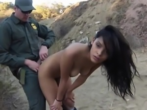 Beautiful latin babe gets her pussy fucked on the border