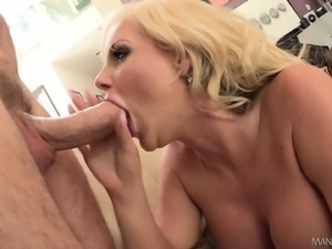 Big breasted blonde cougar in stockings is addicted to rough anal sex