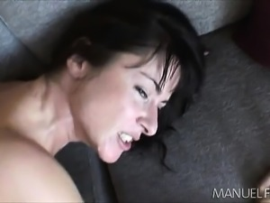 Elegant brunette slut worships a big pole and gets drilled in the ass