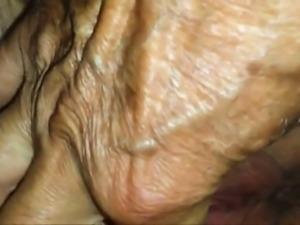 Teasing a pussy - Closeup