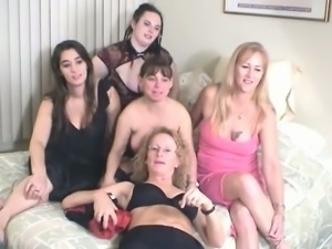 Insanely horny moms with saggy boobs are pleasing perverted old daddy