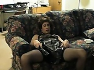 Sexy crossdresser solo that is amateur