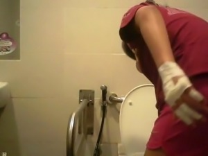 wc toilet chinese sweet girl