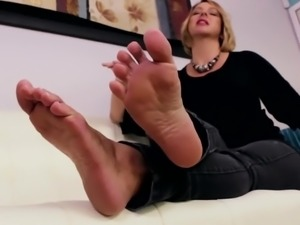 Goddess Briannas Loyal Footslave