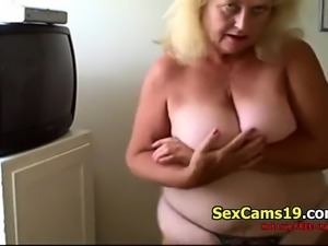 Sexy Blonde Granny Dances Live on spicygirlcam,com
