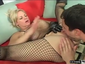 Big booty cougar with fake tits roughly smashed missionary