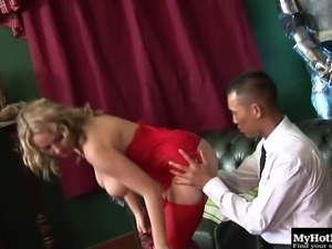 Cougar with nice ass in lingerie enjoying her anal blasted