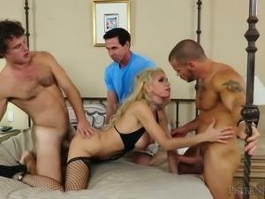 Adventurous slut Nadia North is having a three way with two men