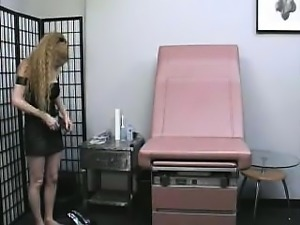 Hairy Blonde Amateur MILF Gets Doctor's Exam From 86camscom