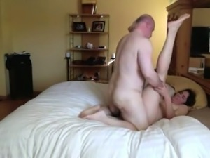 Chubby American guy fucks me hard in a missionary position