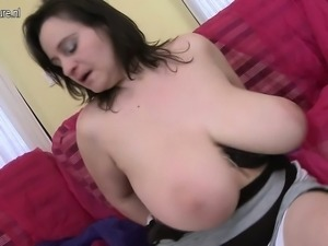 British mom with big tits and old  Tresa from 1fuckdatecom