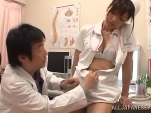 Japanese nurse Azusa Ishihara seduces a doctor and fucks him